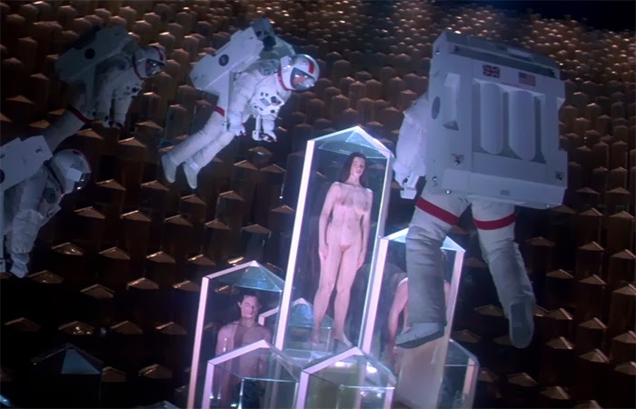 lifeforce-life-force-1985-tobe-hooper-peter-firth-steve-railsback-mathilda-may-movie-film-review-shelf-heroes